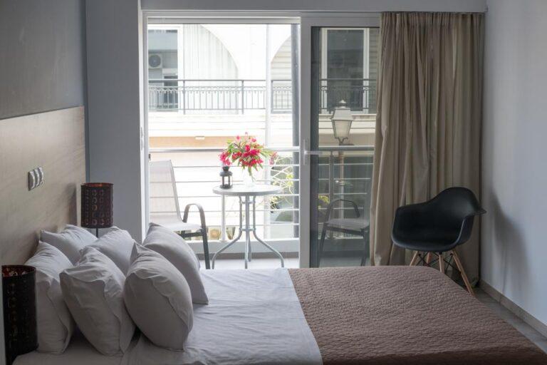 Greponis Apartments